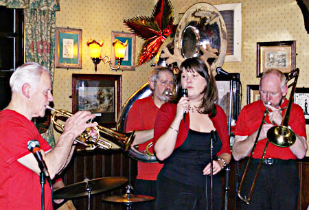 Bob Thomas & The Thomcats with Clare Gray at The Long Arm and Short Arm