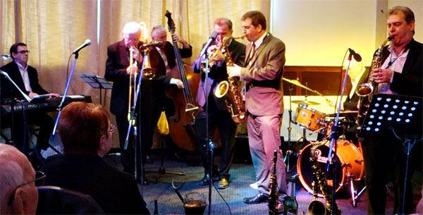 Simon Spillet with Tad Newton's JazzFriends