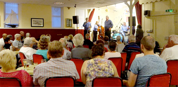 Fans out in force for Annie Hawkins' jazzmen