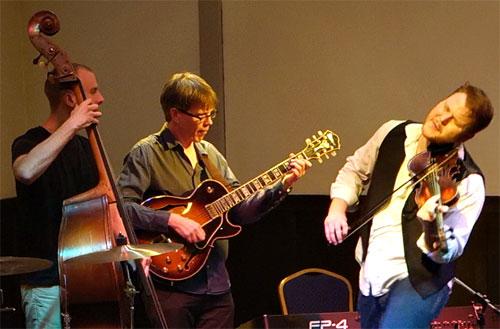 Ben-Holder-at-The-Walnut-Tree-Jazz-Club