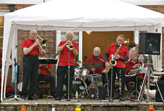 Bob & The Thomcat's playing at Lemsford's Jazz On The Island fund raising event.