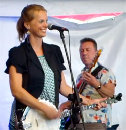 A very happy Dorine stars at Fest Jazz!