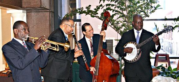 2010 UK Contingent serenaded at the Intercontinental